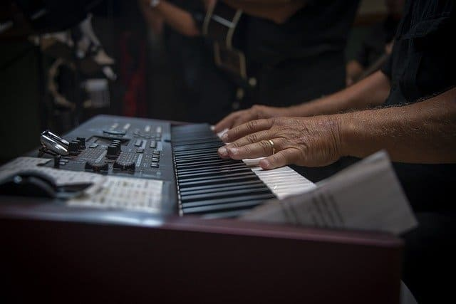The 7 Best Piano Keyboard Guide and Review