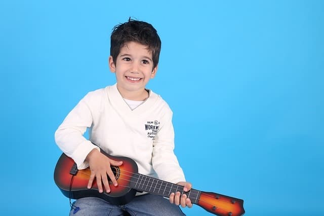 Guitar Lessons for Kids – Free, At Home, and More